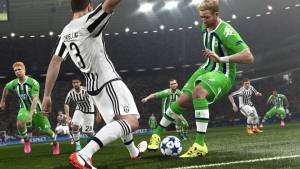 Pro Evolution Soccer 2016 - gameplay