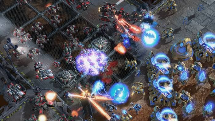 Starcraft 2: Wings of Liberty - fighting